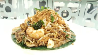 Penang Culture, Halal Restaurant, Changi Airport Terminal 2, Singapore - Premium Crab Meat & Salted Egg Fried Kway Teow ($15.95)