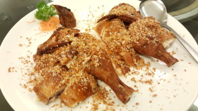 Red House Seafood Restaurant At Quayside, Roberston Quay, Singapore - Crispy Roasted Chicken with Crisp Garlic