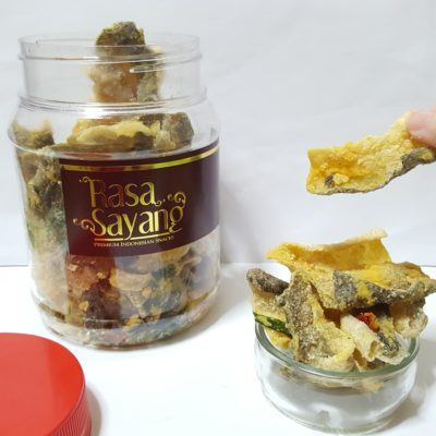 Salted Egg Snacks In Singapore - Rasa Sayang Salted Egg Fish Skin ($15/bot)
