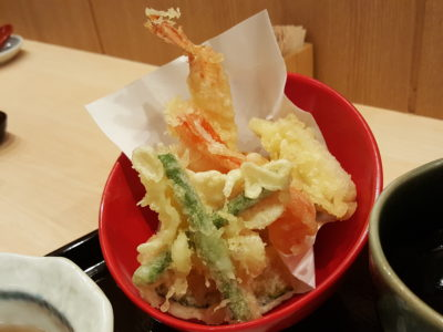 Yomoda Soba In Japan Food Town In Orchard, Singapore - Tempura with the Seiro Soba