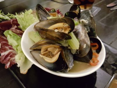 Portico Prime At Dempsey Singapore - Live Scotland blue-lipped mussels