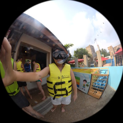 Exploring Adventure Cove Water Park With Casio FR200 - Selfie using Wide Dome