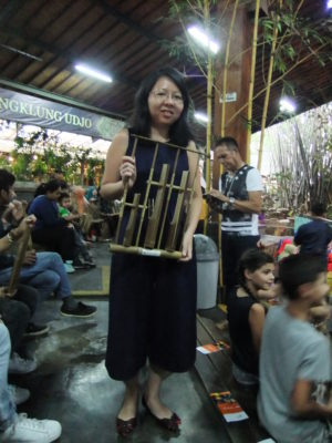 Saung Angklung Udjo In Bandung, Indonesia - Learning to play the Angklung