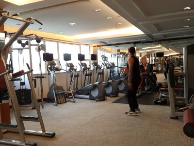 Renaissance Shanghai Pudong Hotel - Gym at Level 6, another view