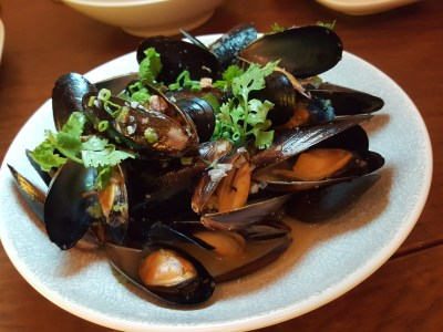 Wine & Chef At Keong Saik Road For Quality Wine At Wallet Friendly Price - Steamed Black Mussels ($18++)