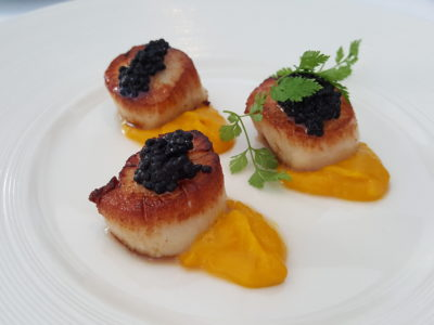 Marriott Pool Grill, Delish Food With Pool and Orchard Skyscrapper View In Al Fresco Style Dinning - Scallop