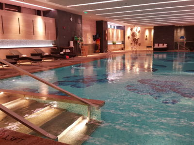 Shanghai Marriott Hotel Pudong East - Swimming Pool