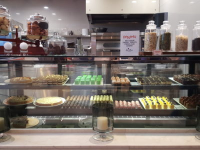 Sea & Blue Buffet Restaurant At Marina Bay Sands Offering Over 100 Dishes - Cakes & Pastries