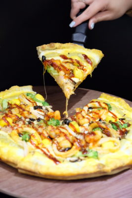 """Pizza Maru Offering Healthier Crust, Black Rice and Matcha At Northpoint City - Premium Pizza, Mango Ocean on Green Tea Dough ($19.80 - 9"""" / $23.80 - 12"""")"""