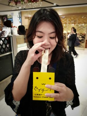 Thailand's Stretchy Hokkaido-Style Cheese Toast 'Say Chiizu' Has Arrived In Singapore! - Cheese Pull by Denise