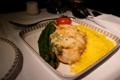 Flying Singapore Airlines Business Class SQ336 From Singapore To Paris - Classic Lobster Thermodior