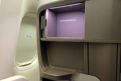 Singapore Airlines Business Class SQ333 From Paris To Singapore Flight Journey Review - Storage