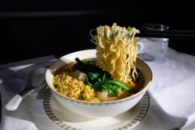 Singapore Airlines Business Class SQ333 From Paris To Singapore Flight Journey Review - Tom Yum Noodles, noodle pull