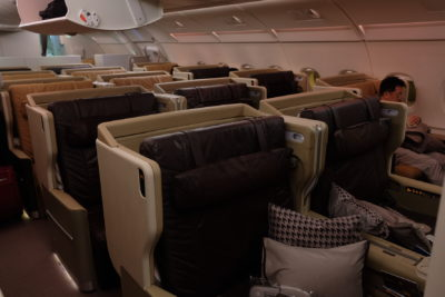 Business Class On A380 Singapore Airlines, SQ336 From Singapore To Paris - Upper Deck of A380
