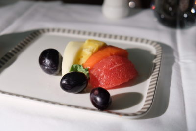 Business Class On A380 Singapore Airlines, SQ336 From Singapore To Paris - Selection of Sliced Fresh Fruits
