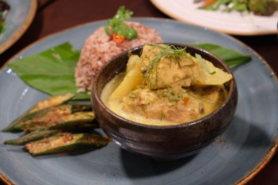 Verde Kitchen @ Hilton Singapore Promotes Healthier & Wholesome Meal - Malay-style Organic Lacto Chicken ($32)