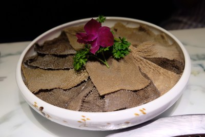 Spice World Hot Pot, A Tough Competitor For Haidilao At Clarke Quay - Air-flown Beef Tripe 香天下飞的肥毛肚
