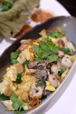 Ginger At PARKROYAL On Beach Road Dishing Pincer Feast - Oyster Omelette