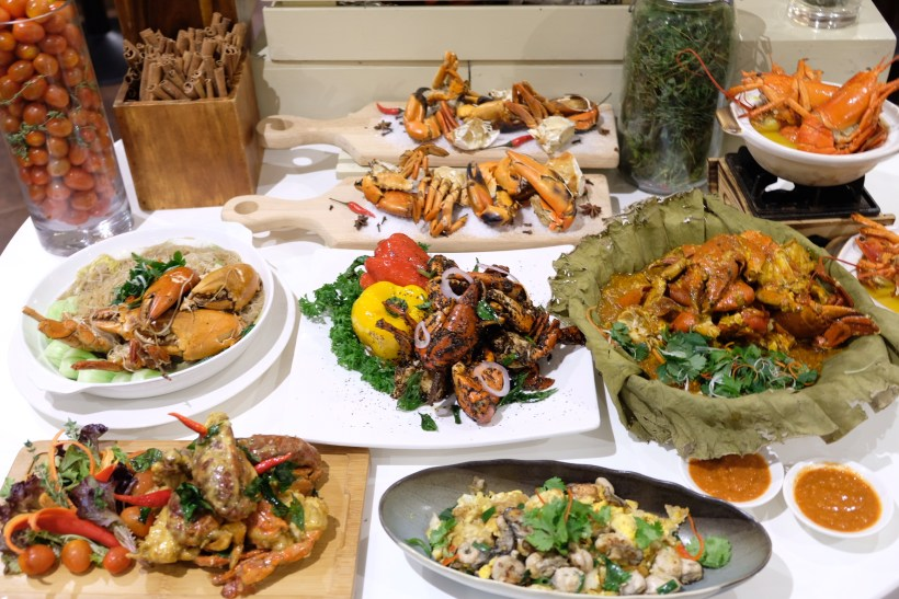 Ginger At PARKROYAL On Beach Road Dishing Pincer Feast - Pincer Feast