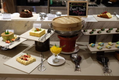 Go Local Buffet At Four Points Eatery In Four Points By Sheraton Singapore Riverview - Dessert Corner