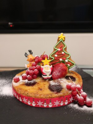 Santa's Christmas Circus Festive buffet at Mercure Singapore Bugis - fruit cake