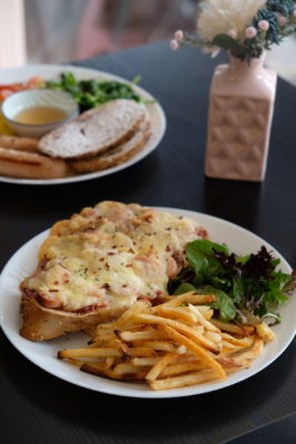 Spatula At Bussorah Street, From Bakery To Cafe - Spicy Chicken Pizza Toast ($16)