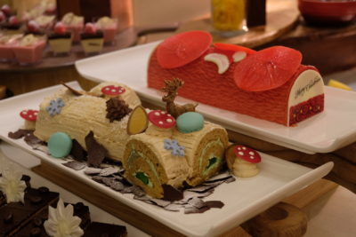 Festive Moments At Ginger, PARKROYAL Beach Road, Christmas 2018 - Gula Melaka Log Cake with Coconut Flakes