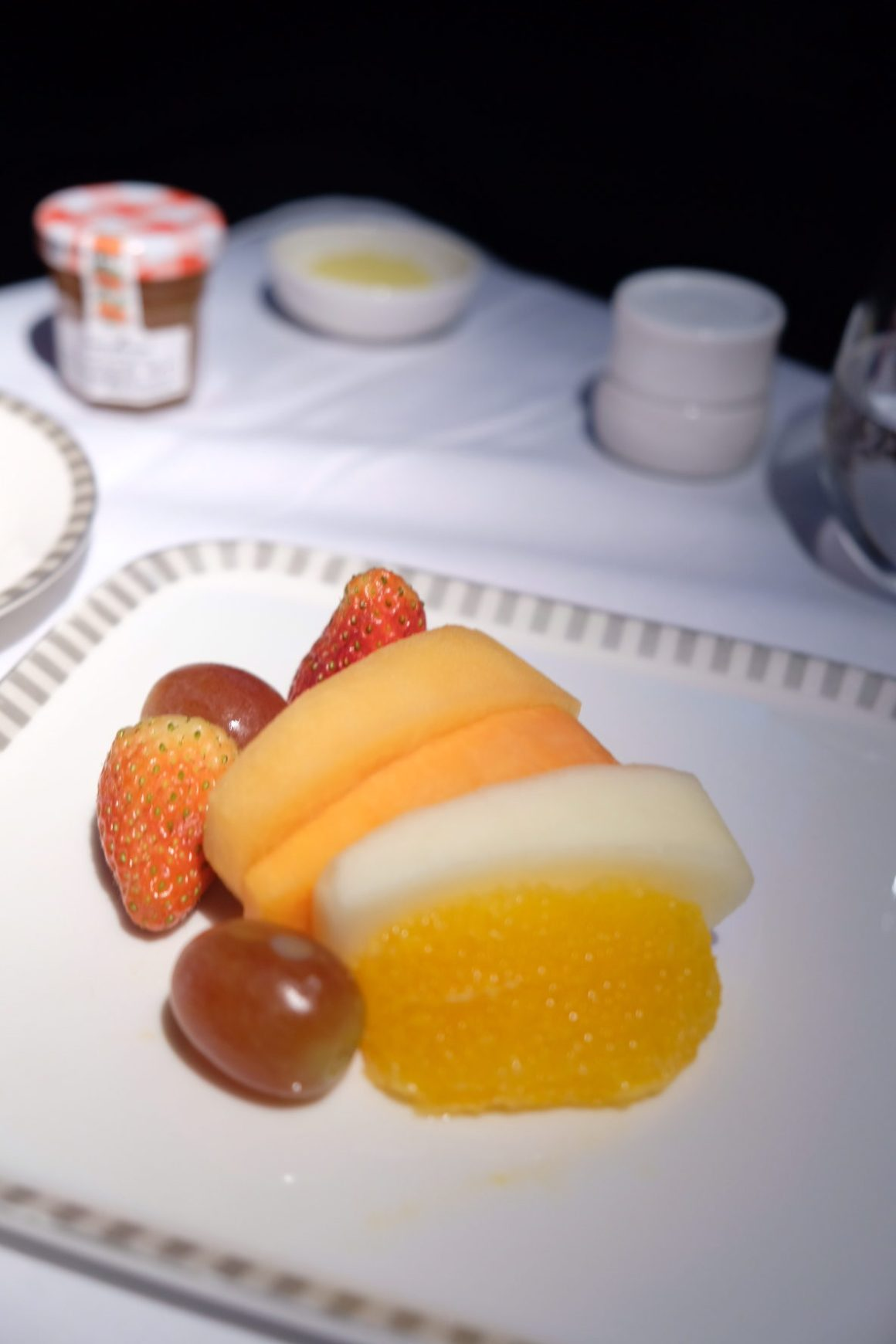 Singapore Airlines Business Class SQ334 From Singapore To Paris – Fruits