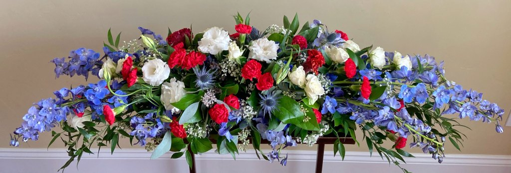 Red Blue White Long Centerpiece