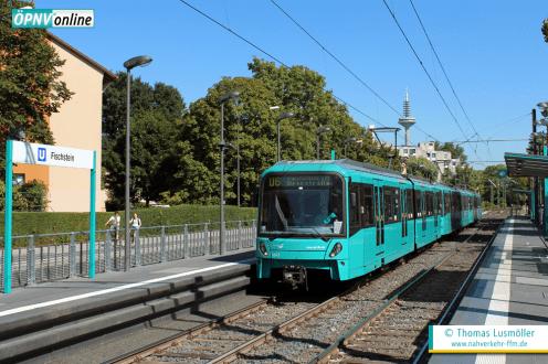 Schon einmal fuhren auf der U6 moderne U5-Wagen. Sie wurden von Herbst 2012 bis Frühjahr 2015 auf der U6 eingesetzt. U5-Wagen 654 erreicht am 7. September 2012 die Station Fischstein.
