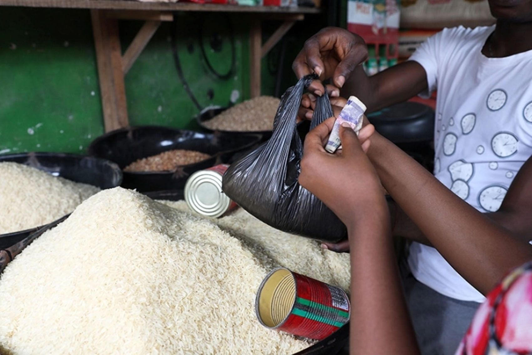 Tons of Foreign Rice Offloaded at Reopened Borders, Displayed Openly in Shops -RIMAN