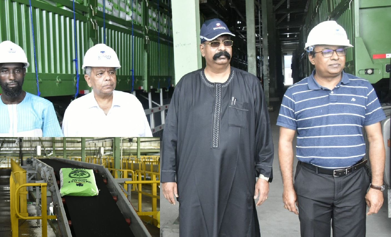 Dangote $2 billion urea fertilizer Plant pushes out 120 trucks everyday |  Naija247news