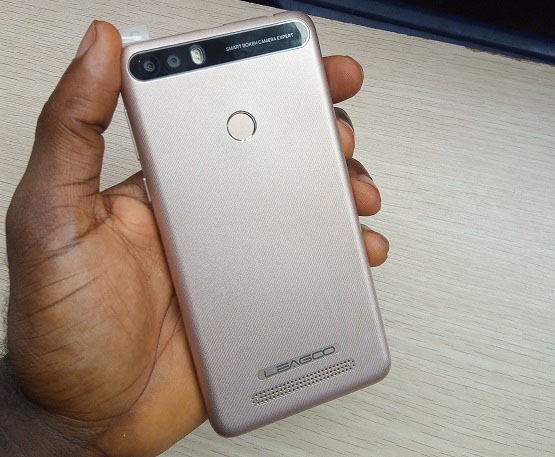 leagoo kiicaa power hands on