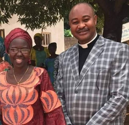 Nigerian pastor and wife welcome set of twins after 25 years of waiting