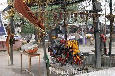 Unbelievable: See the Old Motorcycle That is Being Worshiped as a Deity in India...It's Story Will Shock You (Video)