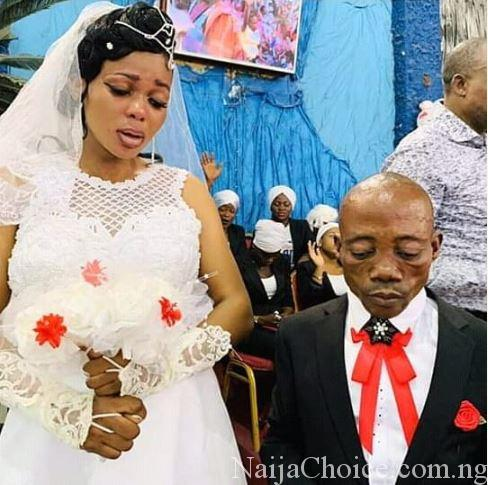 Viral Photos Of Bride And Groom Wearing A Sad Look On Their Wedding Day