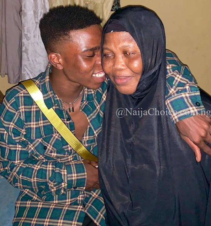 Former Olamide Boy, Singer Lyta, Shares Photo With His Blind Mother