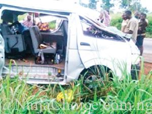17 Persons Crushed To Death As Bus Collides With Trailer (Photo)