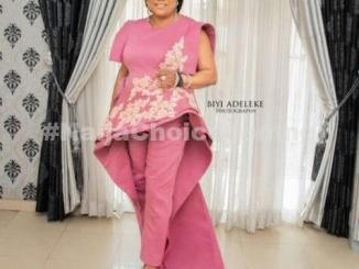 Sola Sobowale's Classy Outfit as  AMAA 2019 Decorates Her With Award for the Best Actress in Africa