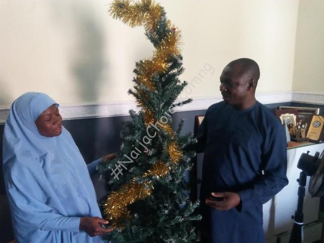 Muslim Woman Decorates CAN Chairman's House With Christmas Tree In Kaduna (Photos)