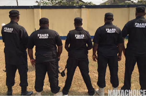 """""""How I Was Arrested By SARS Who Took My Phone In Owerri Yesterday For No Reason"""""""