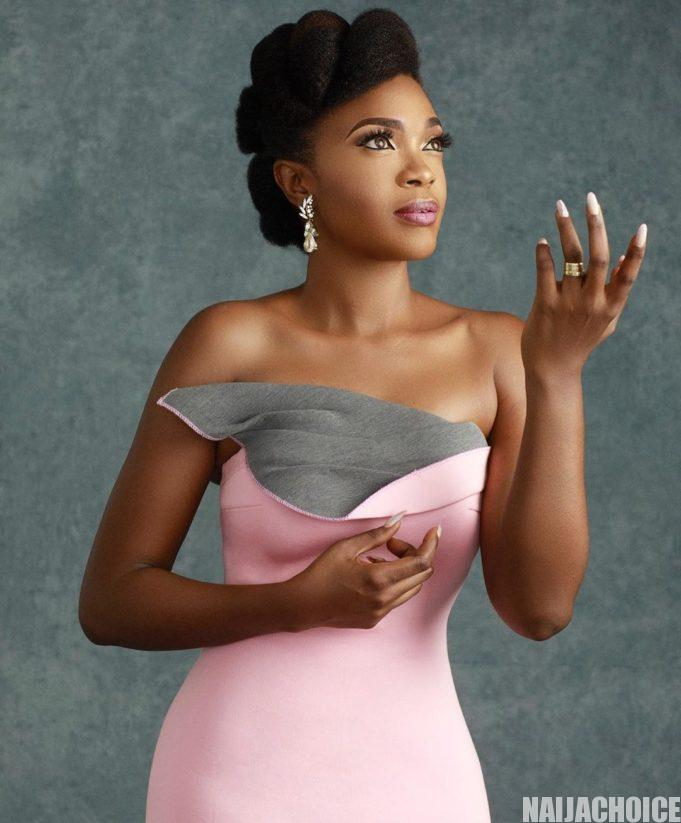 Actress Omoni Oboli is certainly in a cheerful mood as she recently added another year. The talented Nollywood actress and filmmaker, turned 42 on April 22.