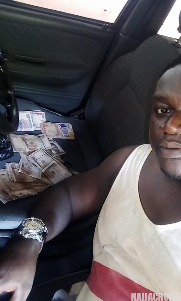 Man rejects reward after returning lost ₦100,000 to its owner (Photos)