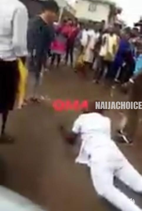 Man Rolls On Mud Water To Propose To A Girl In Owerri, Las Las The Girl No Gree (Watch Video)