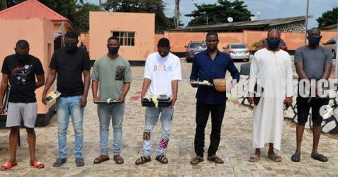 Yahoo Yahoo Brothers Arrested With Charm And Expensive Cars By EFCC (Photos)