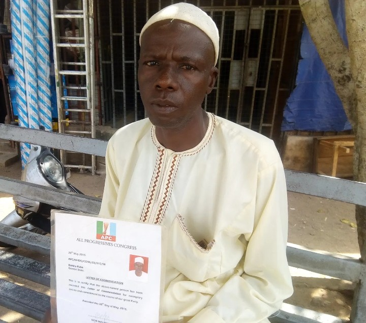 Man Who Trekked For Buhari In 2015 Seeks Assistance For Limb Pains (Photo)