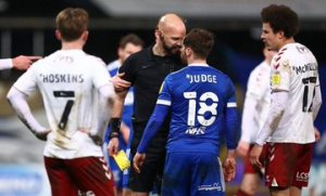 Referee Ready To Fight Player, Alan Judge After Abusive Words (Photos, Video)