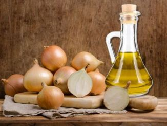 7 magical benefits of using onion oil for hair