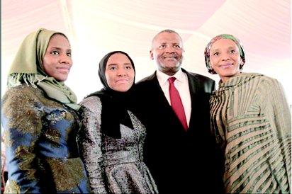 Mariya Dangote and her 2 big sisters ,Fatima and Halima, together with their father, Aliko Dangote.