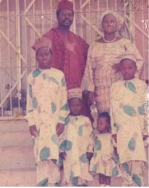 Family picture of Desmond Elliot, his siblings, and his parents
